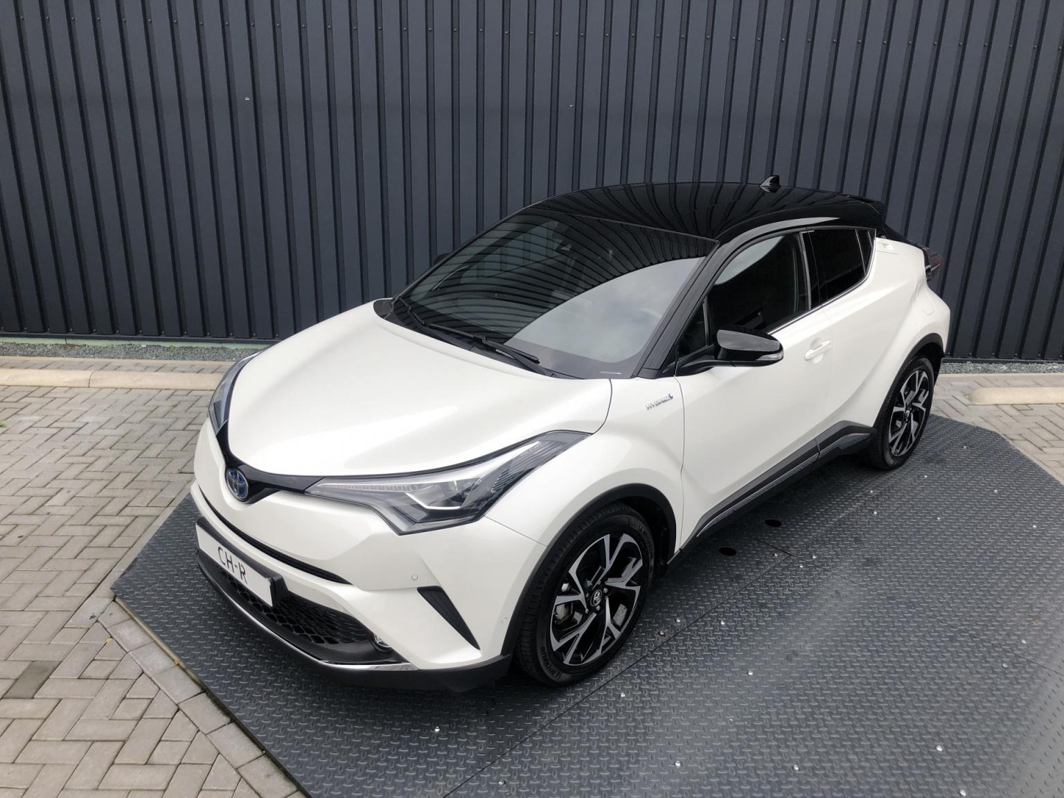 Toyota-C-HR-12