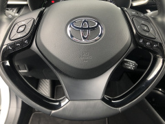 Toyota-C-HR-26