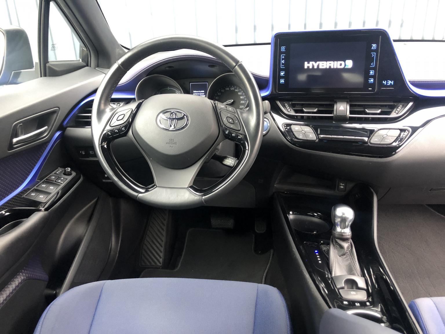 Toyota-C-HR-16