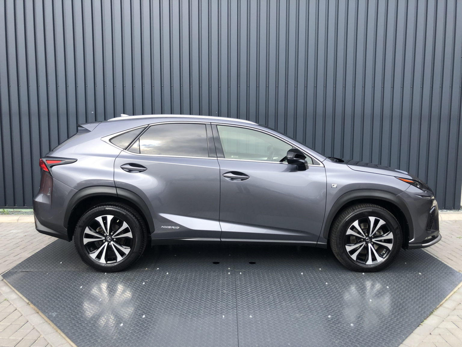 Lexus-NX-4